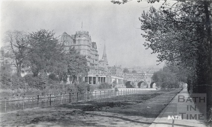 Parade Gardens, Grand Parade The Empire Hotel and Pulteney Bridge, viewed from across the River Avon c.1910