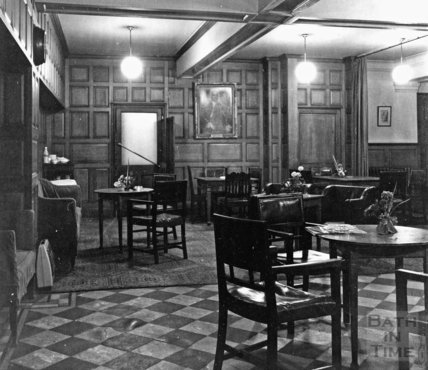 The oak room at Fortts restaurant and bar, Milsom Street c.1975