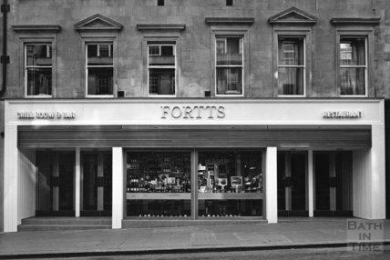 Fortts restaurant, Milsom Street, Bath c.1975