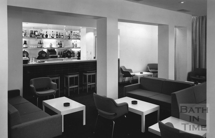 The Milsom bar at Fortts, bar and restaurant, Milsom Street c.1980
