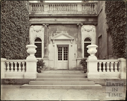 Entrance to Bailbrook House near Bath c.1900