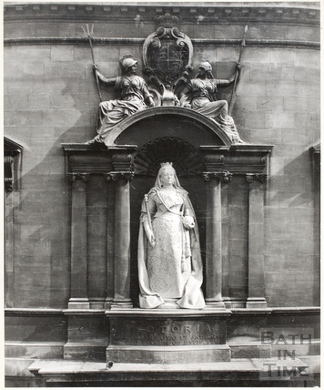 Statue of Queen Victoria, Municipal Library and Victoria Art Gallery, Bath 1961