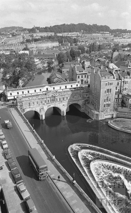 View of Pulteney Bridge and weir from the Empire Hotel 1972