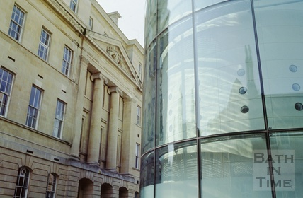 The Gainsborough Building and the new Thermae Bath Spa, Beau Street, Bath August 2003