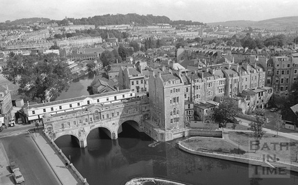 View of Pulteney Bridge, weir and Argyle Street from the Empire Hotel 1972