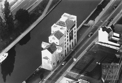 1991 Aerial view of the Camden Mill, Lower Bristol Road 24 May