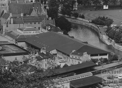 1985 Aerial view of the new Bath Post Office sorting office, The Ham, Bath Spet 18