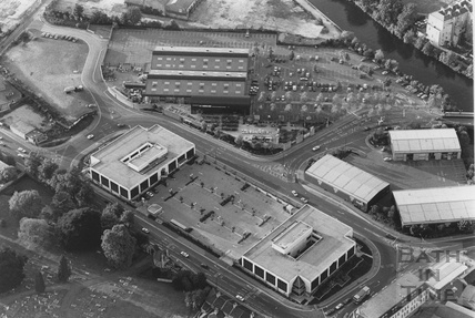 1991 Aerial view of Pines Way and Homebase, 24 May
