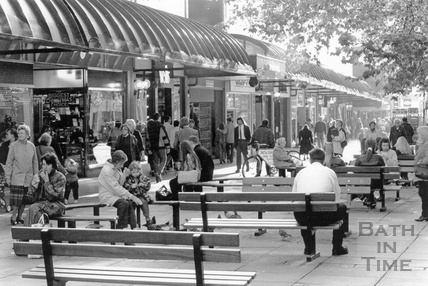 Public benches outside The Mall, Southgate Street 16 November 1995
