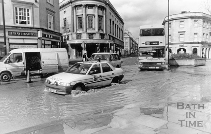 Floods return to Southgate Street, 10 March 1992