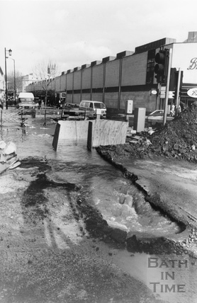 A burst water main at the junction of Southgate Street and Dorchester Street 10 March 1992