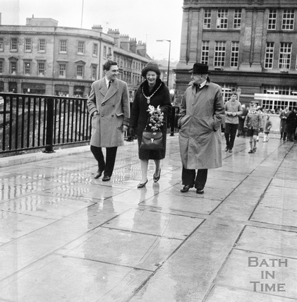 Southgate footbridge over the River Avon opening, 12 November 1964