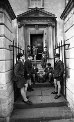 Children outside King Edwards School, Broad Street