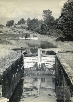 The Caen Hill lock flight at Devizes c.1950