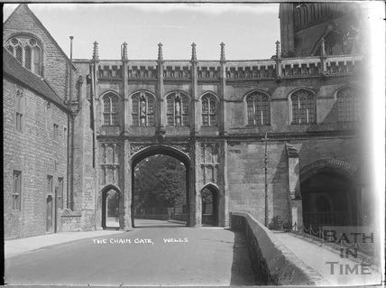 The Chain Gate, Wells c.1930s