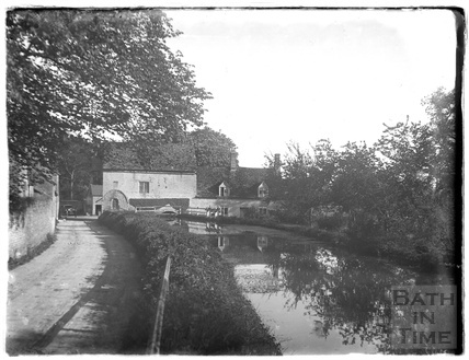 River scene near Burford, Oxfordshire, c.1930s