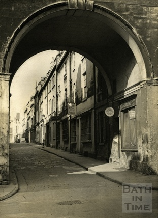 The arch at Trim Street, looking up Queen Street, Bath 1950s