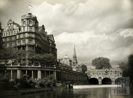 The Empire Hotel and Pulteney Bridge Bath, July 1956