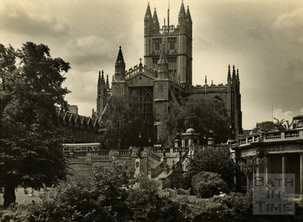 Bath Abbey from Parade Gardens, c.1957