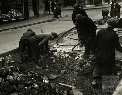 Men at work on the Southgate Street, Dorchester Street junction 1953