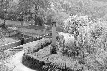 Chimney on the Kennet and Avon Canal from Sydney Buildings, Bath c.1920? - detail