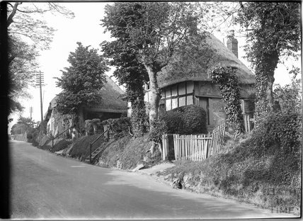 Thatched cottage, Burbage, Wiltshire c.1930s