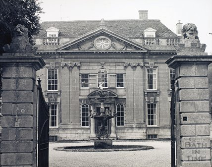 Widcombe Manor and fountain, pre 1973
