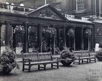 The Colonnade and Pump Room entrance, pre 1973