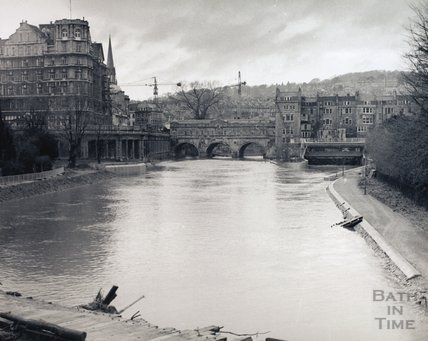 The river in flood looking towards Pulteney Bridge, pre 1973