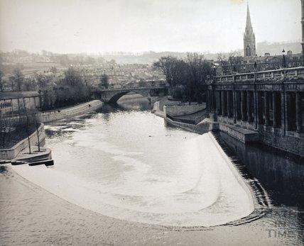 Pulteney Weir, taken from Pulteney Bridge, pre 1973