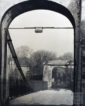 Victoria Foot Bridge, pre 1973