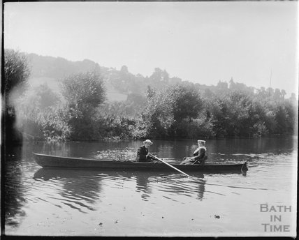 Rowing, at Bathampton, probably to the picnic site, c.1900s