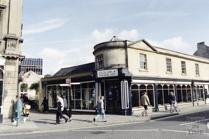 The former premises of Duck Son & Pinker on Pulteney Bridge, 13 October 1992
