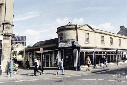 The former premises of Duck Son & Pinker on Pulteney Bridge, 13 October 1992
