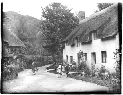 Cottages at the end of Park Street, Dunster, Somerset, 1931