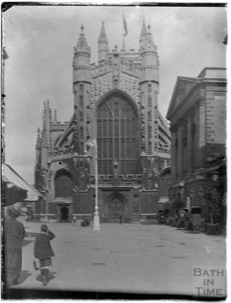 The West Door at Bath Abbey from Abbey Churchyard, c.1950s