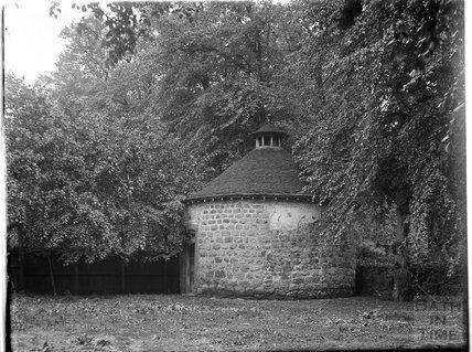 Circular garden building, Bibury, Gloucestershire, c.1930s