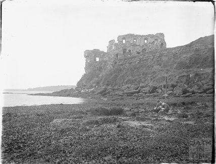 Beachside castle ruin, Castle Cove, Weymouth, Dorset 1925