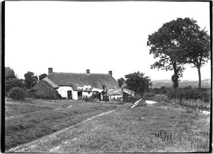 Thatched cottage at Sourton, near Lydford, Dartmoor, Devon, c.1906