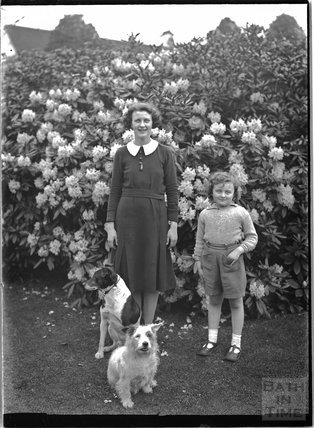 Possibly family members, probably in Warrington, Cheshire, c.1935