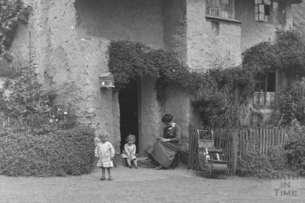 Thatched Cottage, Minehead c.1905-1915 - detail