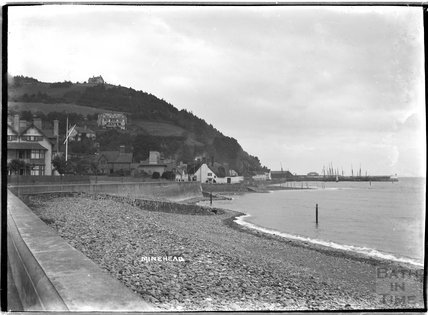 Sea Wall and quay at Minehead, Somerset c.1905 - 1915