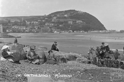 On the sands, Minehead No. 16 c.1905-1915 - detail