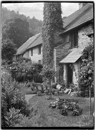 Cottage in Horner, near Minehead, Somerset,  c.1905 - 1915