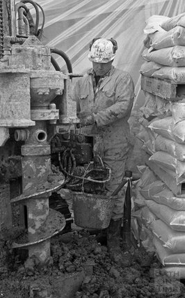 Arrival of small core drill, Thermae Bath Spa 8 February 2001