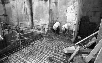 Laying the floor at the Cross Bath, 24 January 2001