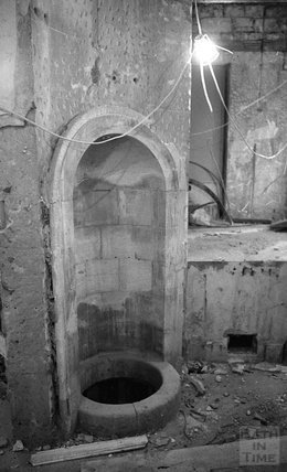 A niche in the Hot Bath, prior to restoration 2000