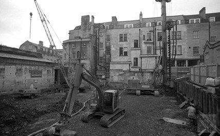 The drilling rig onsite at Thermae Bath Spa, 10 January 2001