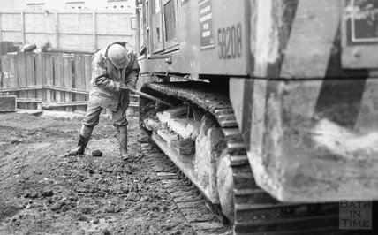Removing the core pile rig from Thermae Bath Spa construction site, 7am 19 February 2001
