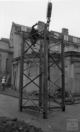 Constructing the tower crane on the site of the Thermae Bath Spa, 17 March 2001